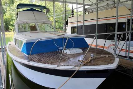Chris-Craft Catalina 33 for sale in United States of America for $18,500 (£13,089)
