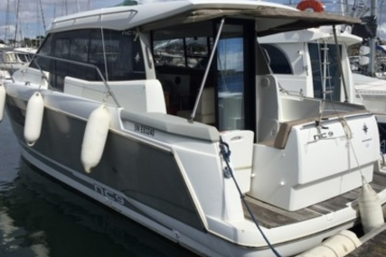 Jeanneau NC 9 for sale in France for €105,000 (£93,637)