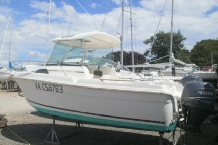 Jeanneau Merry Fisher 580 for sale in France for €12,500 (£11,158)