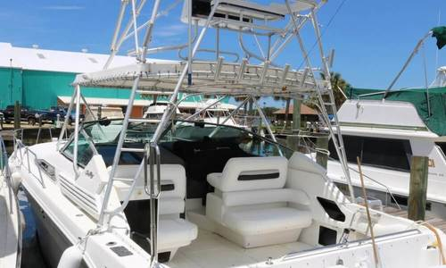 Image of Sea Ray 400 Express Cruiser for sale in United States of America for $39,900 (£31,173) Sebastian, Florida, United States of America