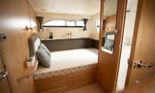 Image of Haines 320 Aft Cabin for sale in United Kingdom for £209,502 Wargrave, United Kingdom