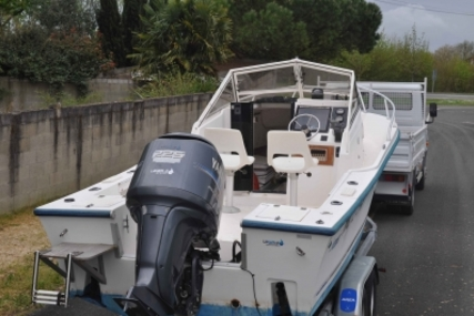 Mako 223 for sale in France for €18,000 (£16,070)
