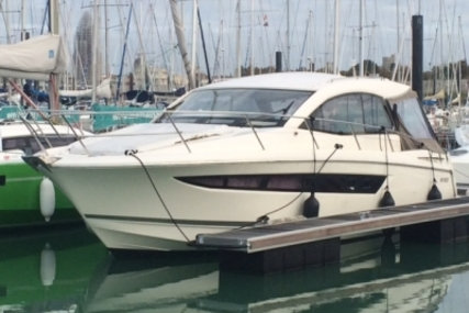 Jeanneau Leader 10 for sale in France for €126,000 (£112,544)