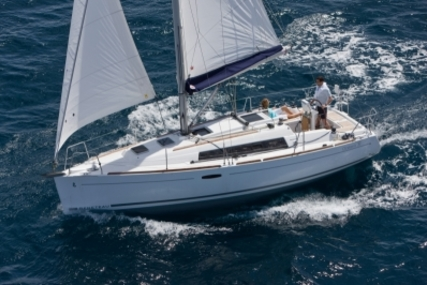 Beneteau Oceanis 31 for sale in Italy for €63,500 (£56,490)