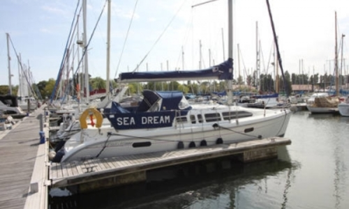 Image of Hunter 336 Legend for sale in United Kingdom for £34,950 CHICHESTER, United Kingdom