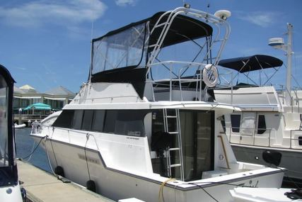 Luhrs 3400 Motoryacht for sale in United States of America for $27,500 (£20,837)
