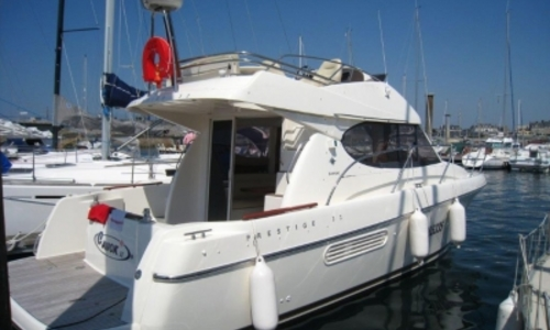 Image of Prestige 32 for sale in France for €99,900 (£87,676) DAHOUET, France