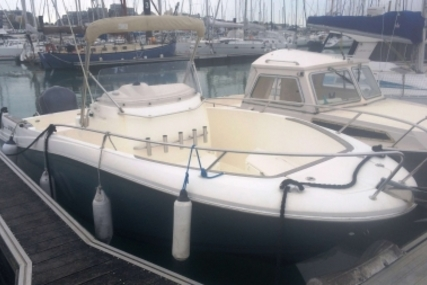 Jeanneau Cap Camarat 7.5 Cc for sale in France for €26,500 (£23,659)