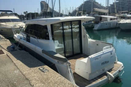 Jeanneau NC 9 for sale in France for €135,000 (£120,426)