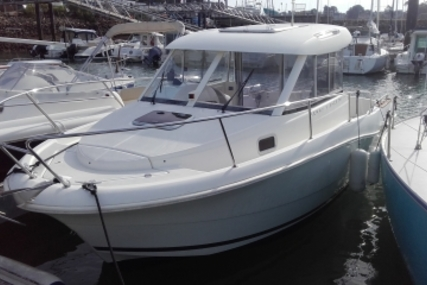 Jeanneau Merry Fisher 725 for sale in France for €28,000 (£24,706)