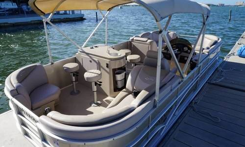 Image of Sylvan mirage 8522 for sale in United States of America for $30,000 (£21,390) Gulfport, Florida, United States of America