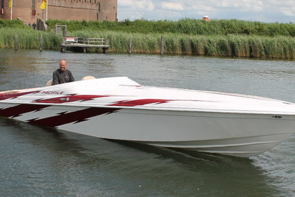 Profile 33V for sale in Netherlands for €69,000 (£60,468)