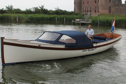 Van Speijk 32 for sale in Netherlands for €95,000 (£84,750)