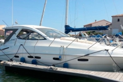 Sealine SC38 for sale in France for €156,000 (£139,138)