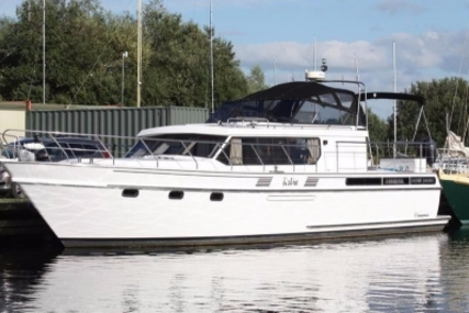 Van Der Valk 45 Super Falcon for sale in Ireland for €139,900 (£124,949)