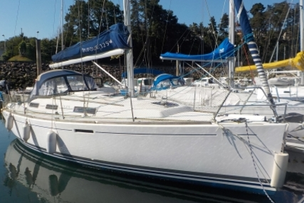 Dufour 325 GRAND LARGE SHALLOW DRAFT for sale in France for €77,000 (£67,628)
