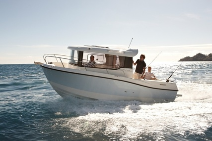 Quicksilver Captur 675 Pilothouse for sale in United Kingdom for £25,905