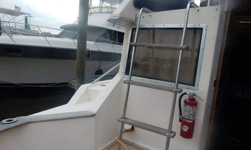 Image of Chris-Craft 315 Commander Sport Fish for sale in United States of America for $17,500 (£13,778) South Glastonbury, Connecticut, United States of America