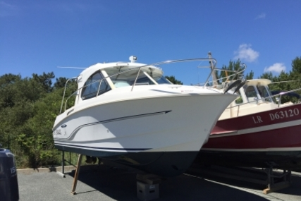 Beneteau Antares 8 for sale in France for €39,000 (£34,792)
