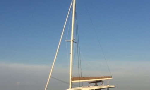 Image of Fountaine Pajot Lucia 40 for sale in France for €292,000 (£259,641) HYERES, France