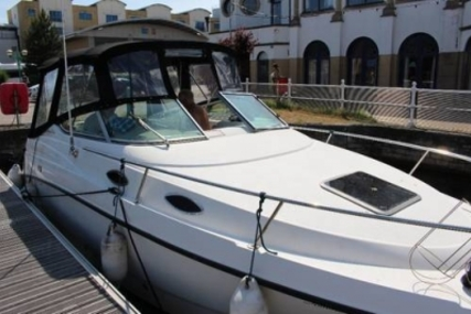 Chaparral 240 Signature for sale in United Kingdom for £18,000