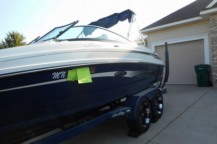 Sea Ray Sundeck 220 for sale in United States of America for $56,900 (£42,732)