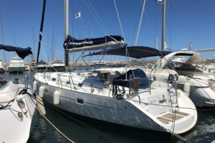 Beneteau Oceanis 411 for sale in France for €89,000 (£78,110)