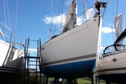 Beneteau First 36.7 for sale in France for €56,000 (£49,302)