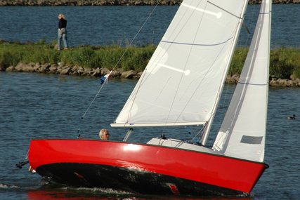 Tirion 21 for sale in Netherlands for €9,900 (£8,756)