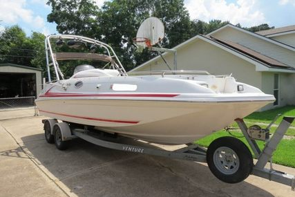 Sea Ray 240 Sundeck for sale in United States of America for $14,700 (£10,511)