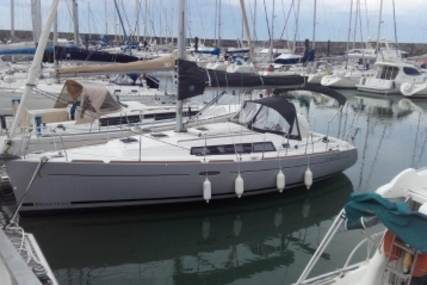 Beneteau Oceanis 34 Shallow Draft for sale in France for €89,000 (£78,864)