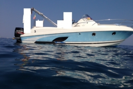 Beneteau Flyer 850 Sundeck for sale in France for €71,000 (£62,221)