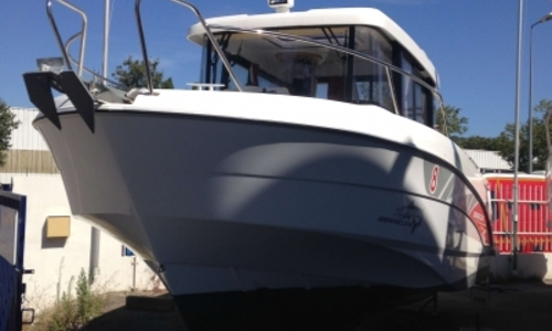 Image of Beneteau Barracuda 8 for sale in France for €72,000 (£63,681) France