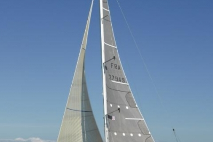 Jeanneau SUN FAST 40.3 for sale in France for €94,000 (£83,924)