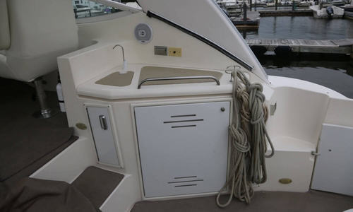 Image of Cruisers Yachts 4370 Express for sale in United States of America for $165,000 (£118,039) New Rochelle, New York, United States of America