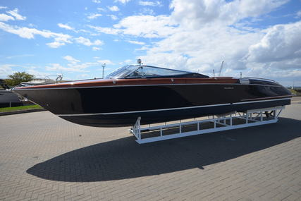 Riva Aqua 33 for sale in United Kingdom for £249,950