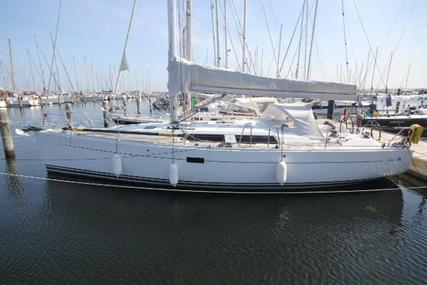 Hanse 400E for sale in Germany for €145,500 (£127,450)