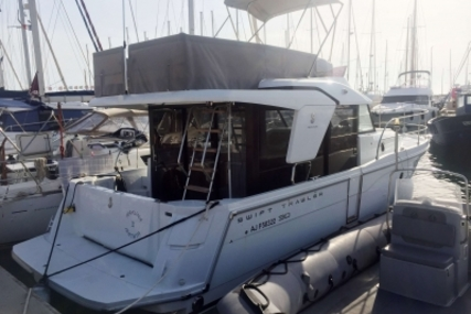 Beneteau Swift Trawler 30 for sale in France for €198,000 (£176,625)