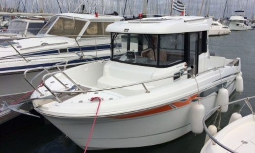 Image of Beneteau Barracuda 7 for sale in France for €34,500 (£30,745) LORIENT, France