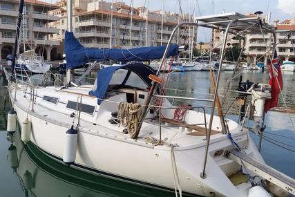 Jeanneau Sunrise 35 for sale in Spain for €25,000 (£22,328)