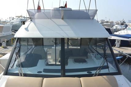 Beneteau 30 FLY Motor Yacht for sale in United Arab Emirates for $122,500 (£94,313)