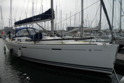 Dufour 365 Grand Large for sale in France for €84,000 (£73,942)