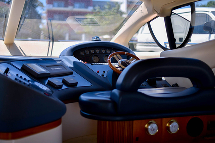 Azimut 46 for sale in Greece for €250,000 (£222,946)