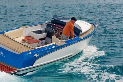 Alfastreet 23 Cabin SPORT Prestige Line with High Gloss Mahogany Interior for sale in Italy for €58,320 (£51,109)