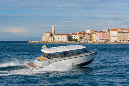 Alfastreet Marine 23s open for sale in Slovenia for €68,320 (£60,778)