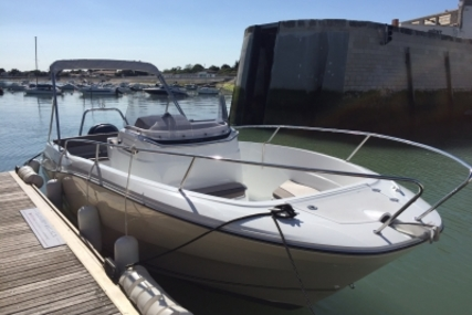 Jeanneau Cap Camarat 7.5 Cc for sale in France for €46,900 (£41,840)