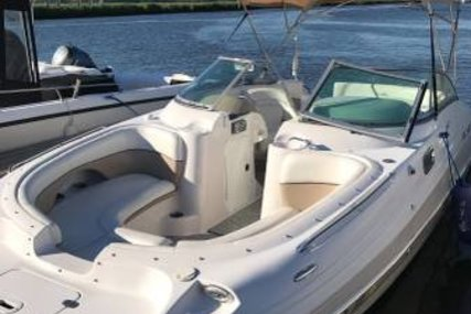 Four Winns 224 Funship for sale in United States of America for $22,999 (£16,466)