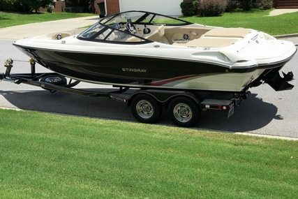 Stingray 225 LR for sale in United States of America for $38,500 (£27,409)