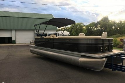 Crest II 250 for sale in United States of America for $32,000 (£24,020)