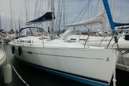 Beneteau Oceanis 343 for sale in France for €60,000 (£53,345)